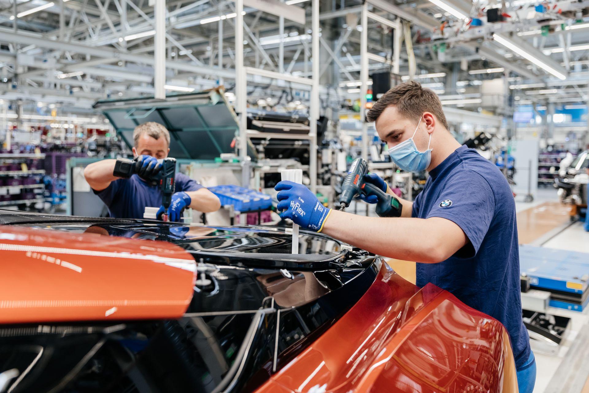 Last-18-BMW-i8-Roadster-plant-Leipzig-65