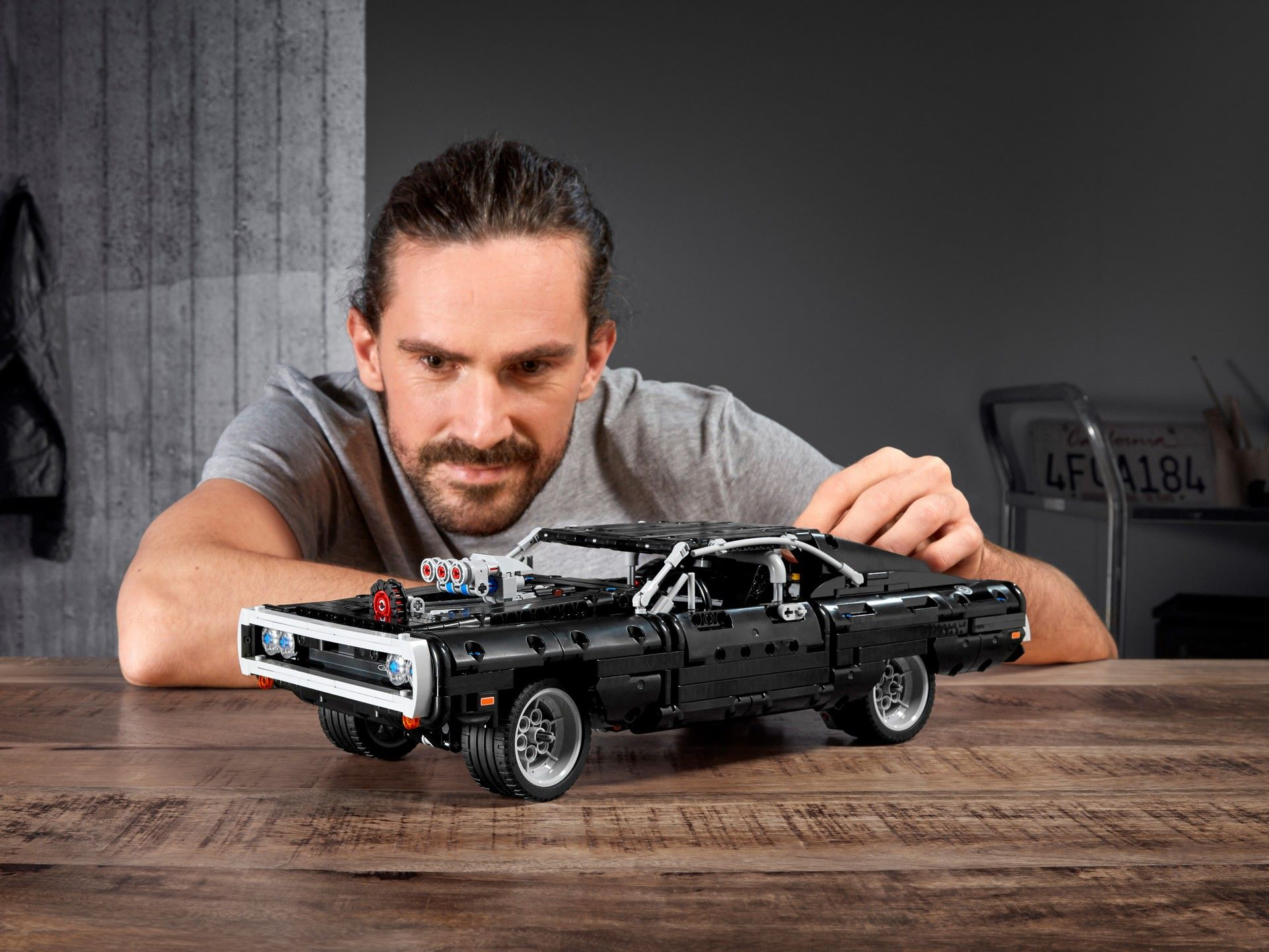 Lego-Dodge-Charger-2