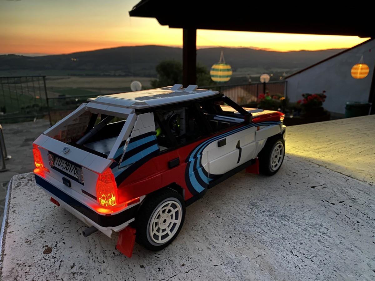 LEGO_Lancia_Delta_Integrale_Rally_Car_0002