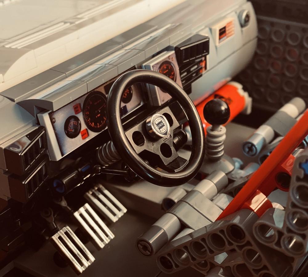 LEGO_Lancia_Delta_Integrale_Rally_Car_0012