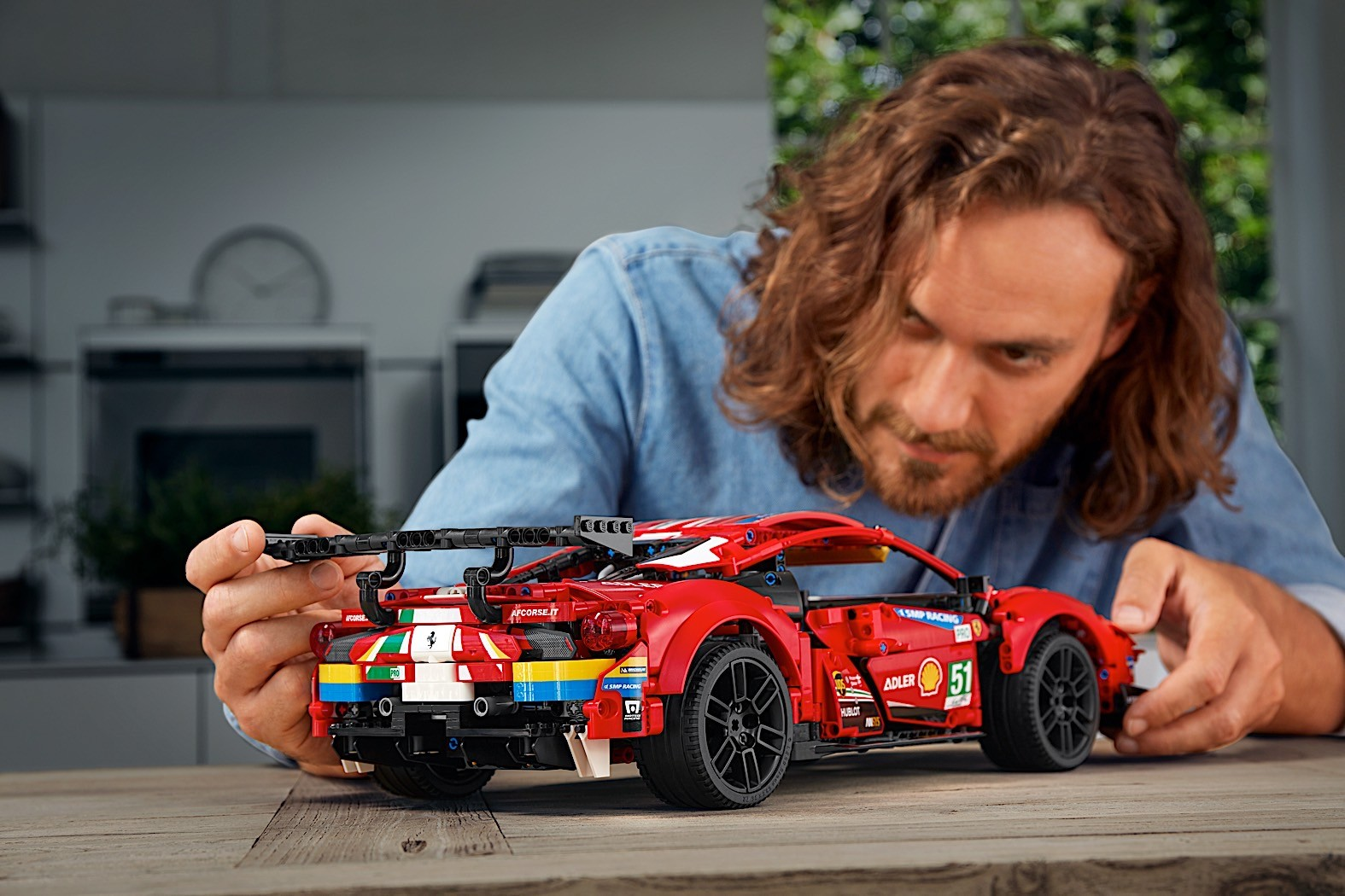 Lego-Technic-Ferrari-488-GTE-AF-Corse-51-9