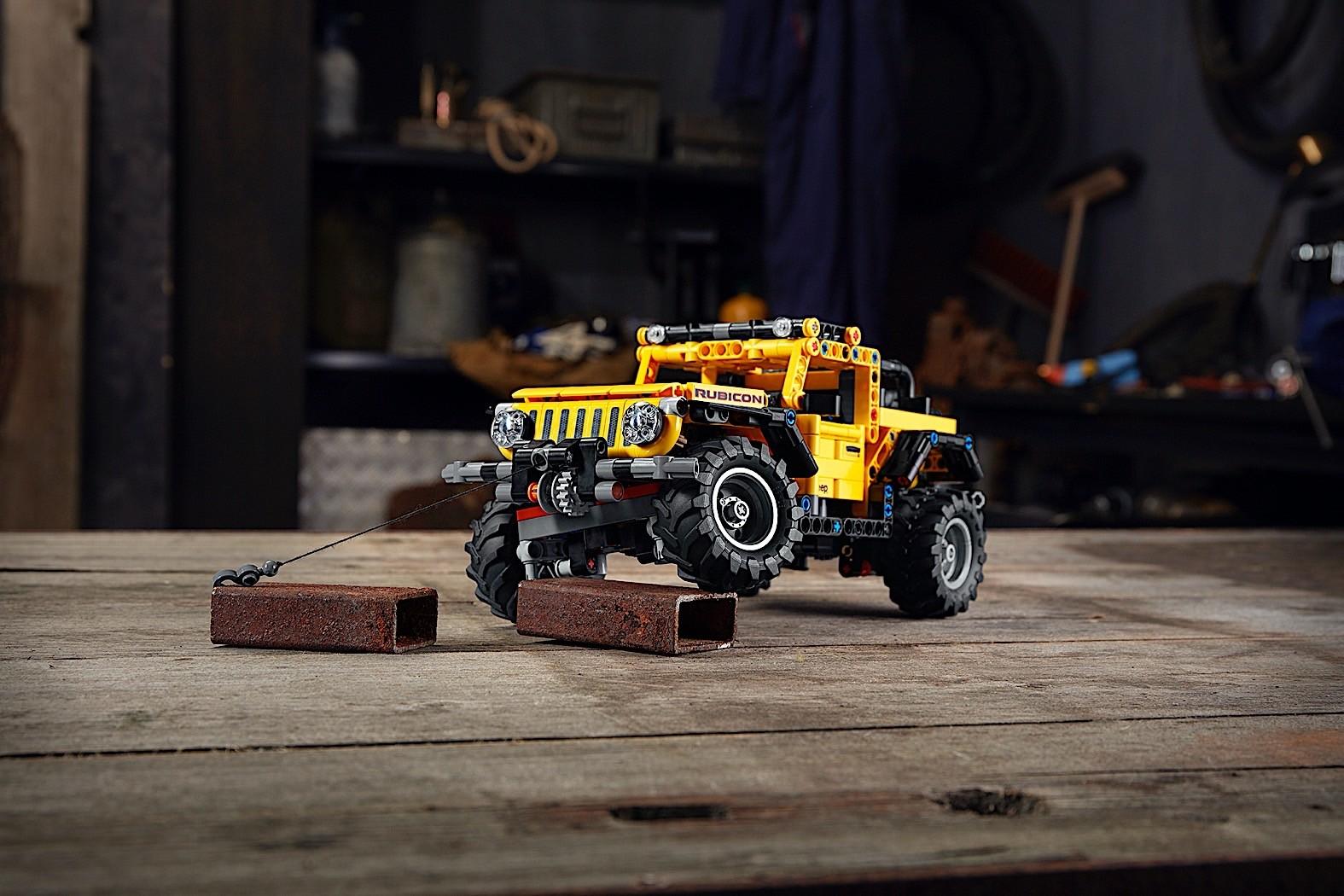 Lego-Technic-Jeep-Wrangler-Rubicon-1