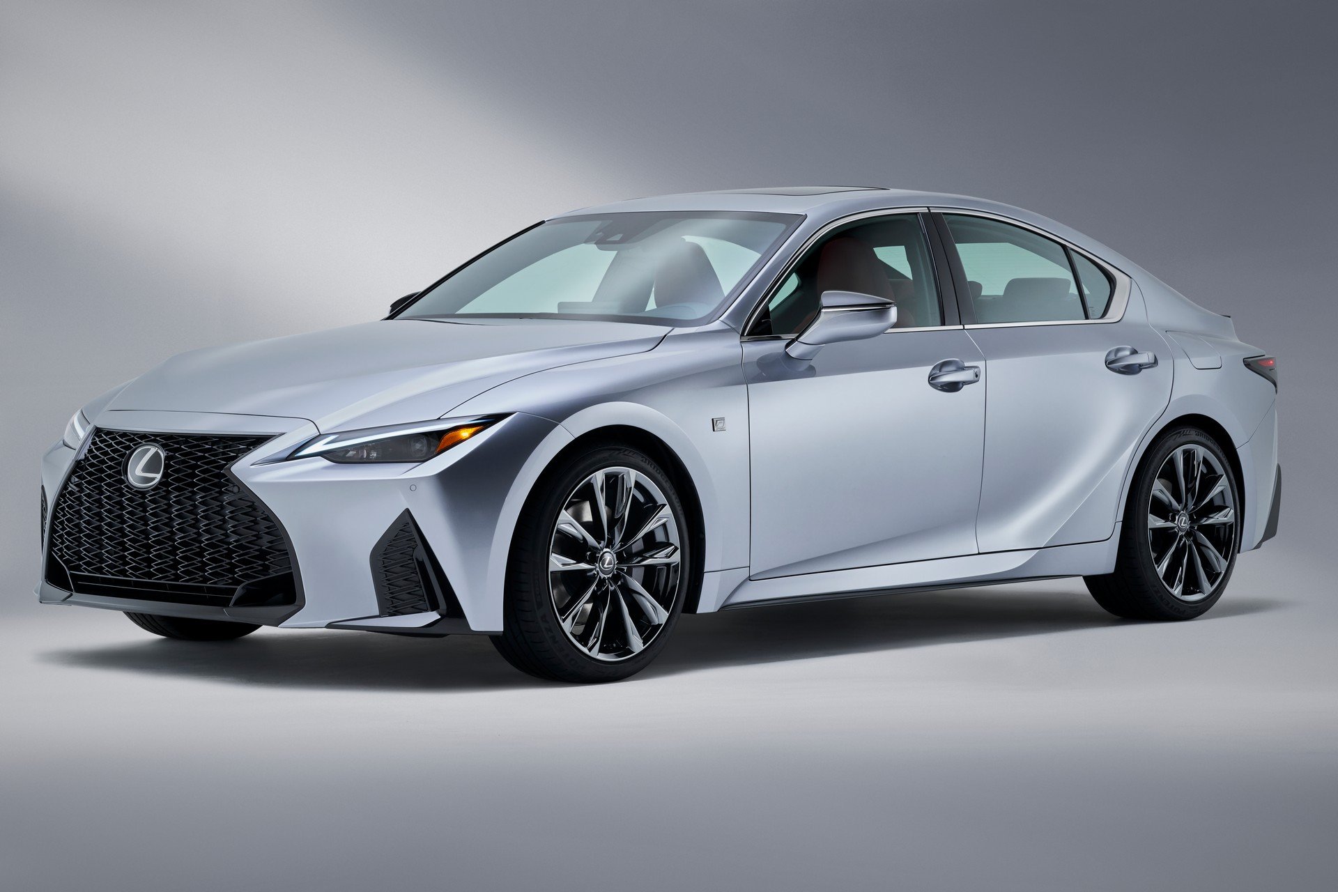 Lexus-IS-2021-1