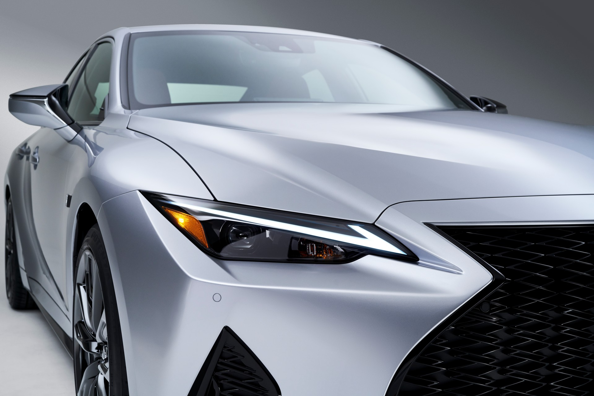 Lexus-IS-2021-11