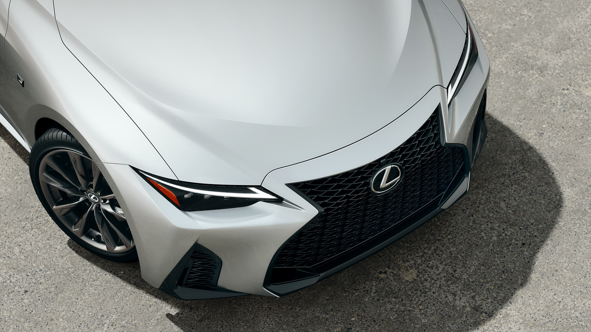 Lexus-IS-2021-31