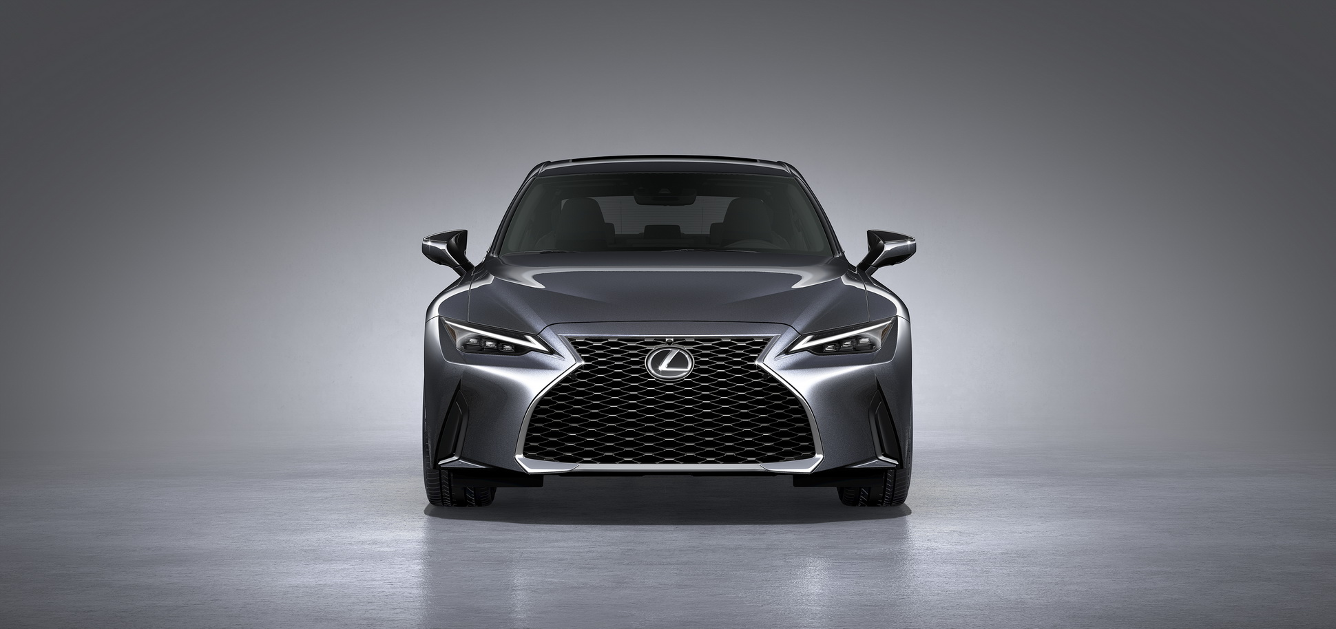 Lexus-IS-2021-37