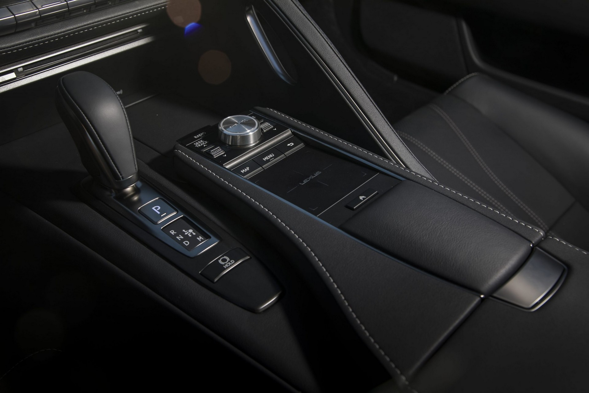 Lexus-LC-2021-35