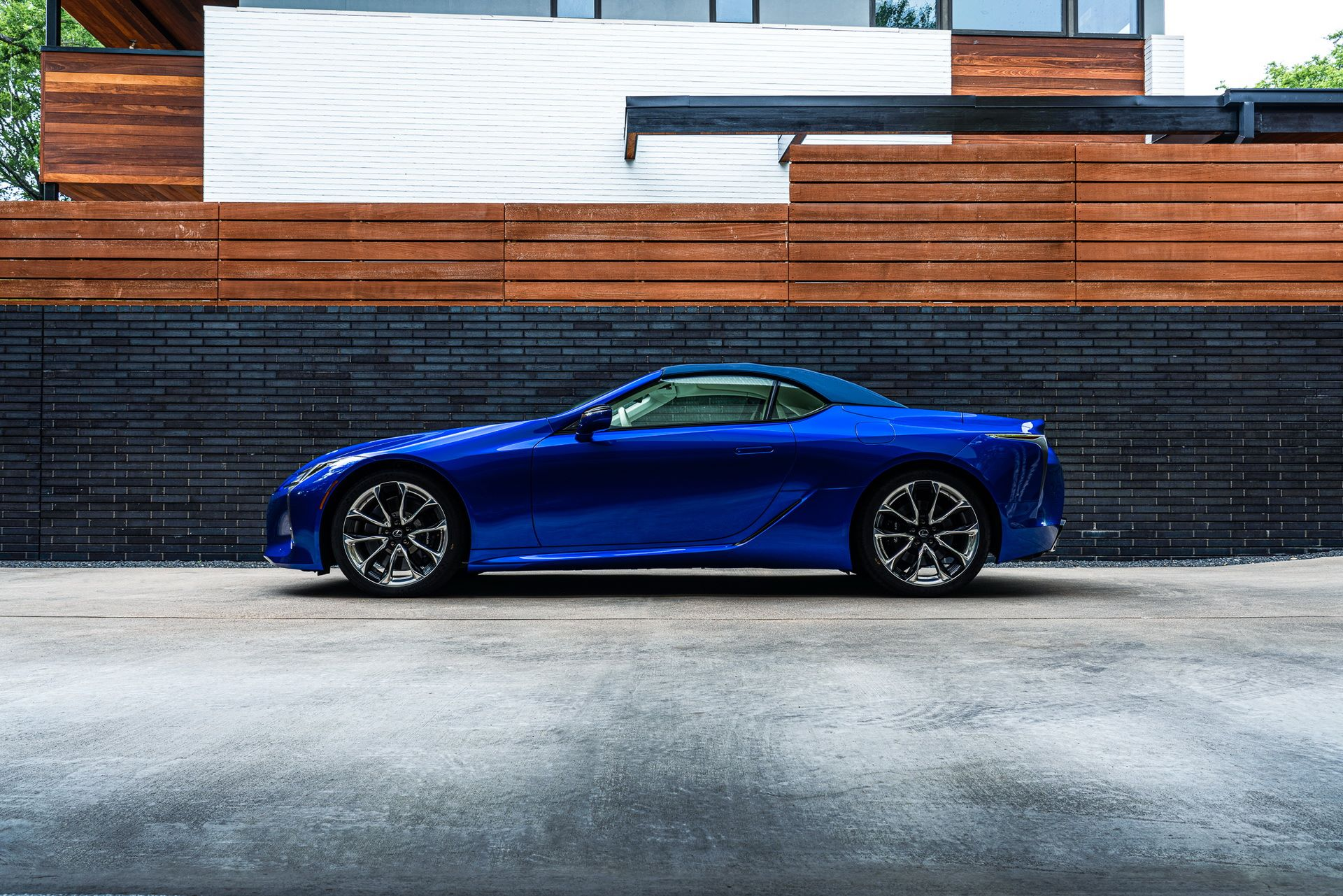 Lexus-LC-500-Convertible-Regatta-Edition-3