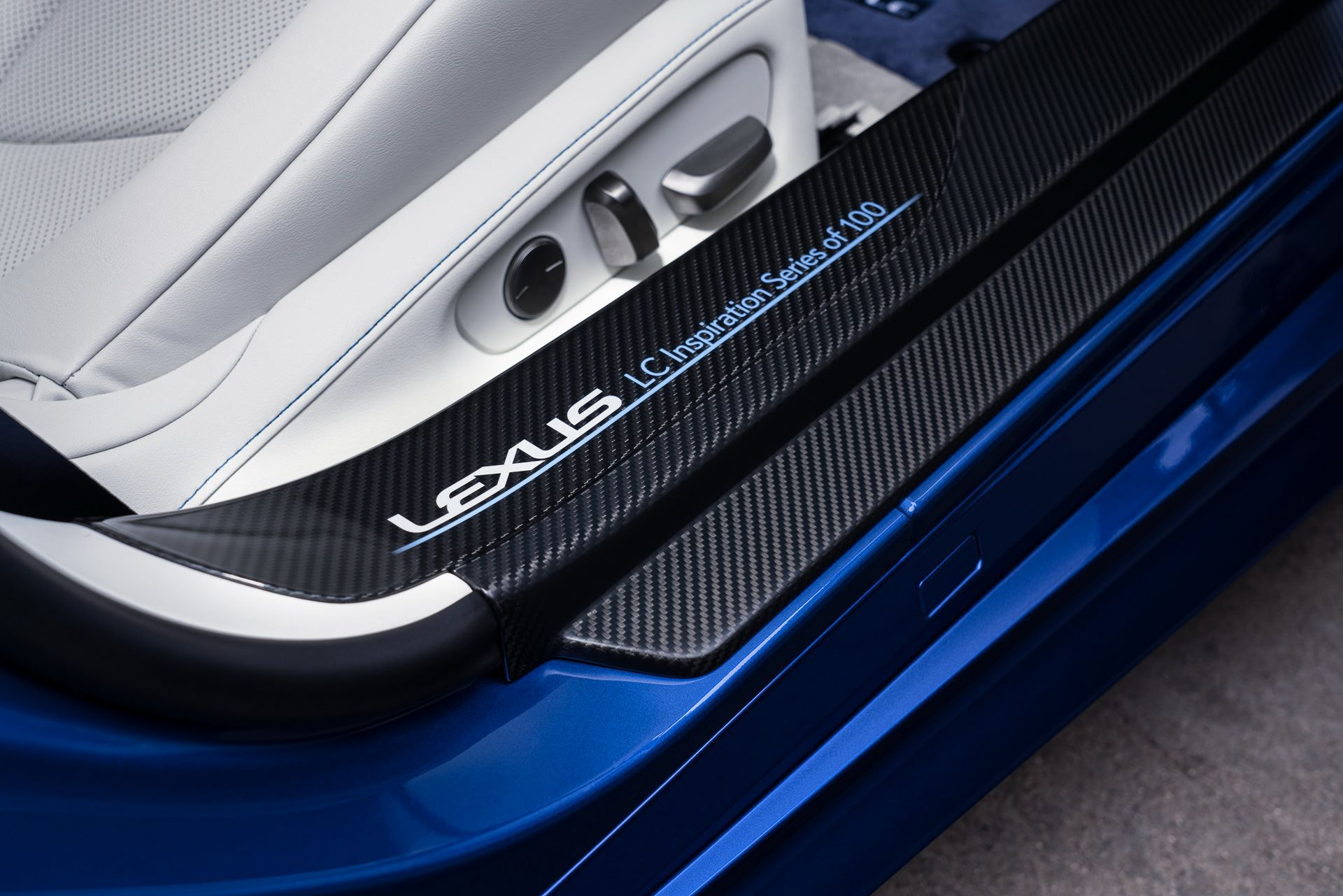 Lexus-LC-500-Convertible-Regatta-Edition-34
