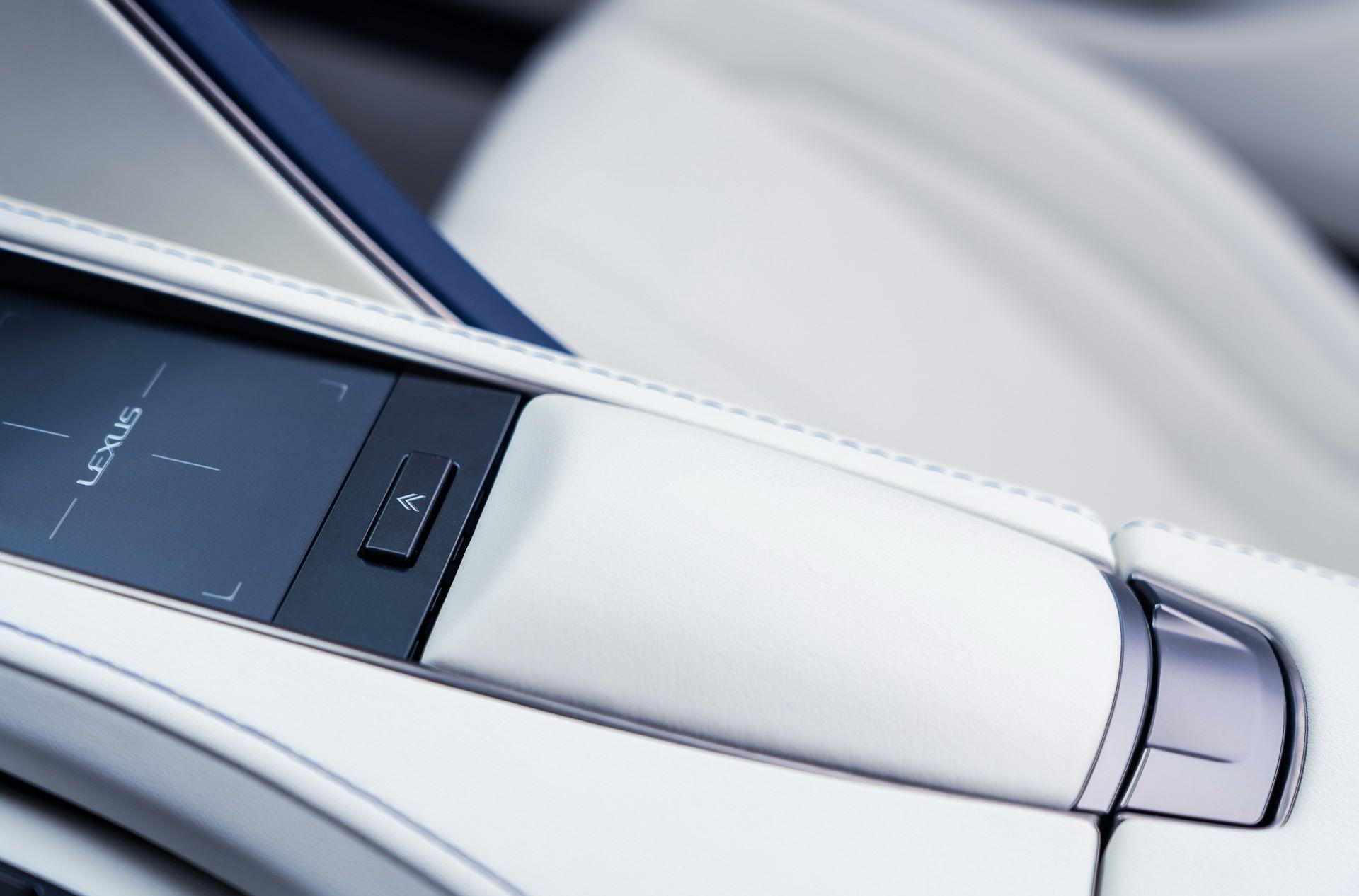 Lexus-LC-500-Convertible-Regatta-Edition-41