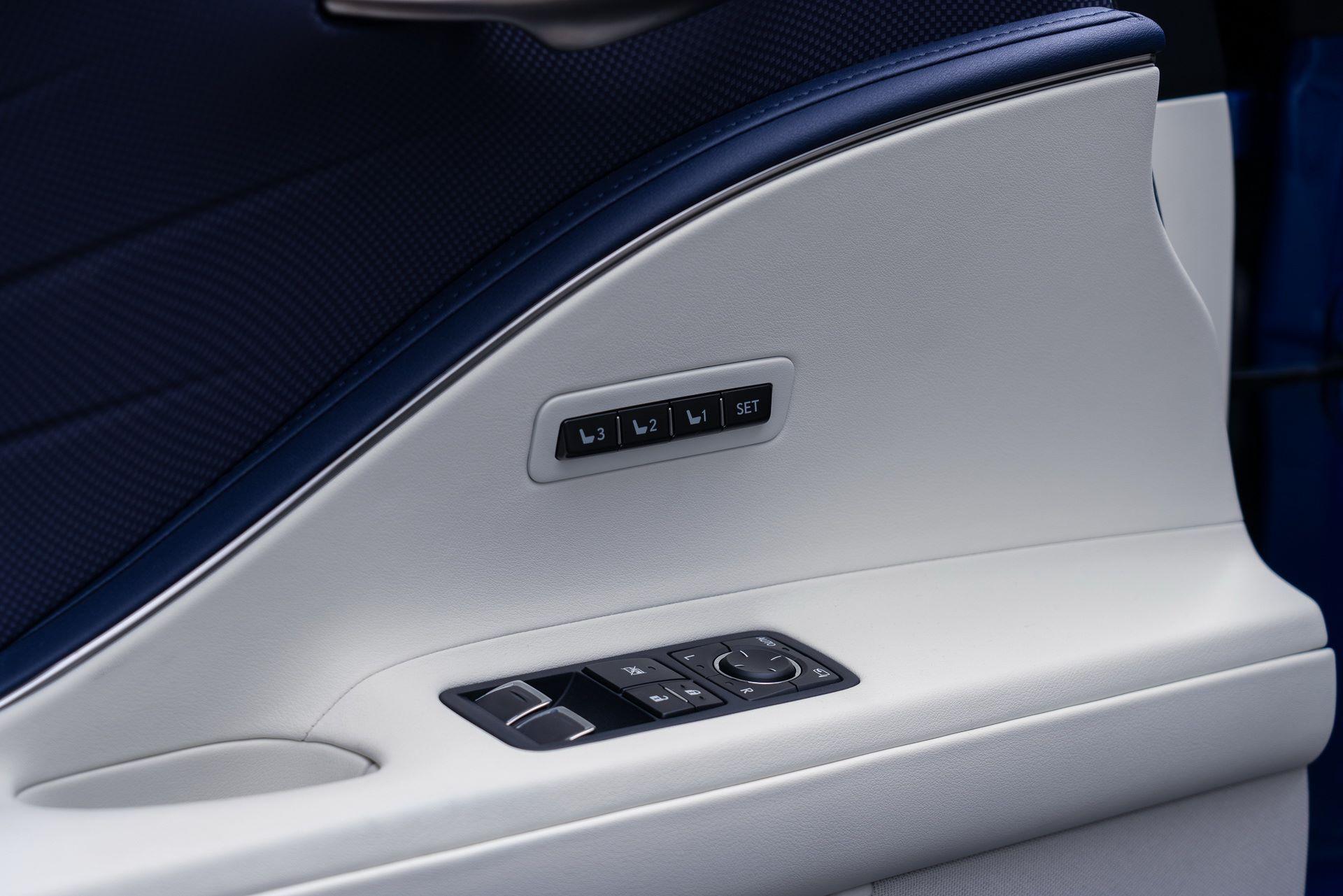 Lexus-LC-500-Convertible-Regatta-Edition-45