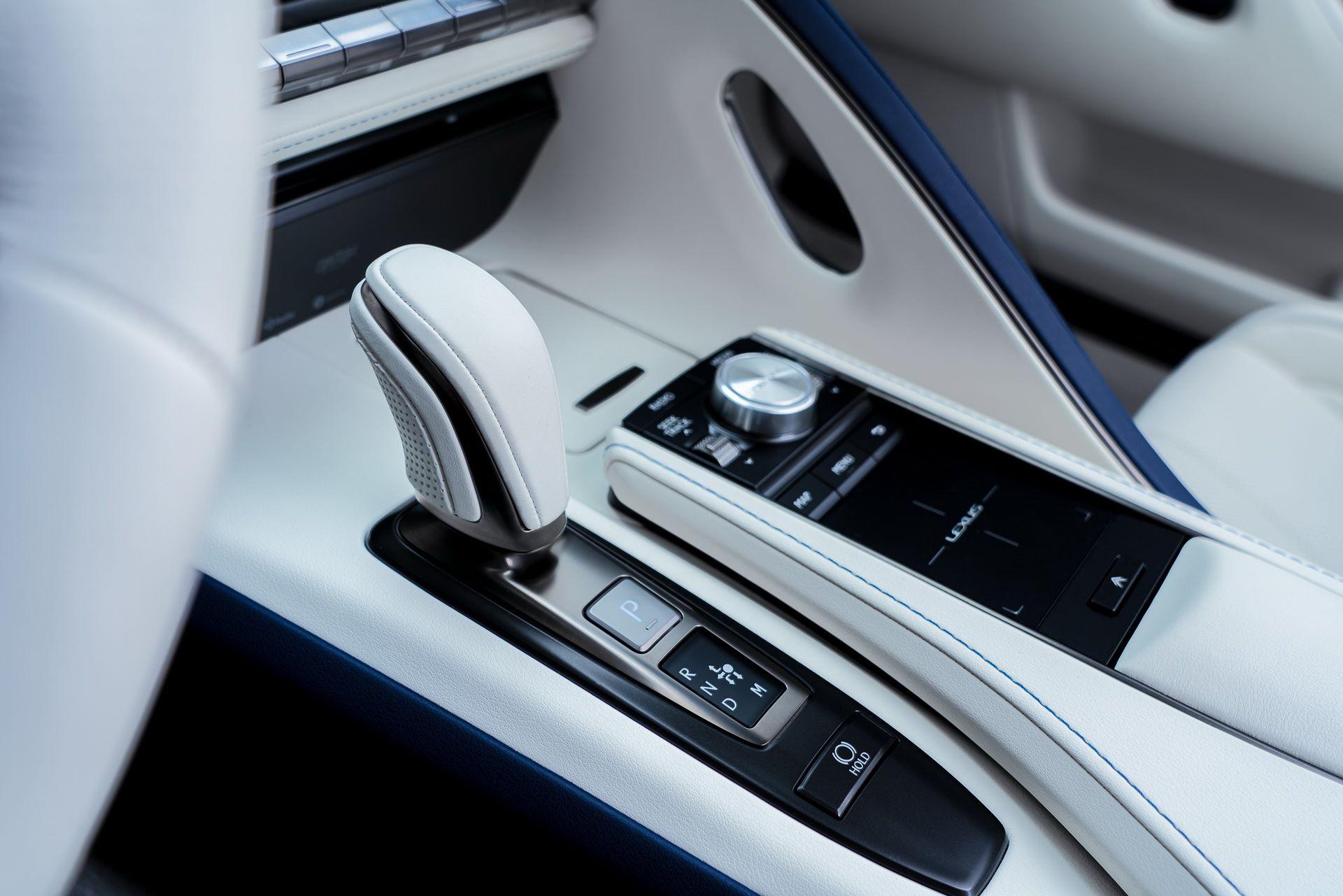 Lexus-LC-500-Convertible-Regatta-Edition-46