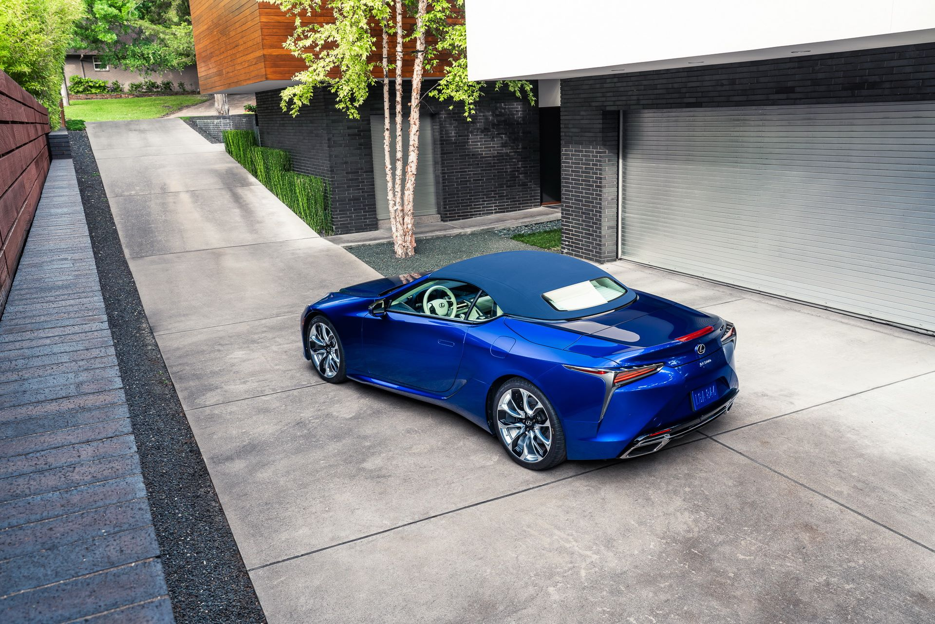 Lexus-LC-500-Convertible-Regatta-Edition-8
