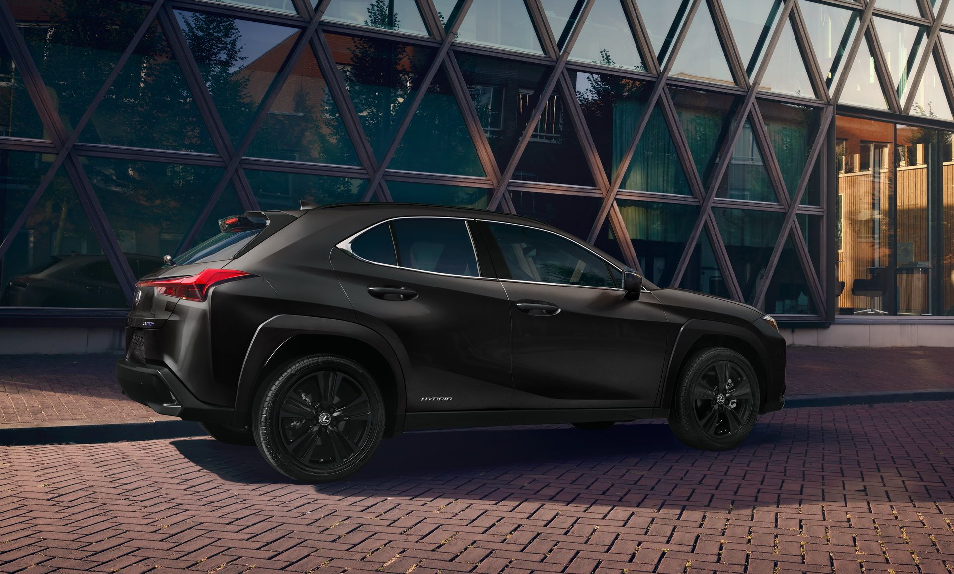 Lexus-UX-Black-Line-Edition-3