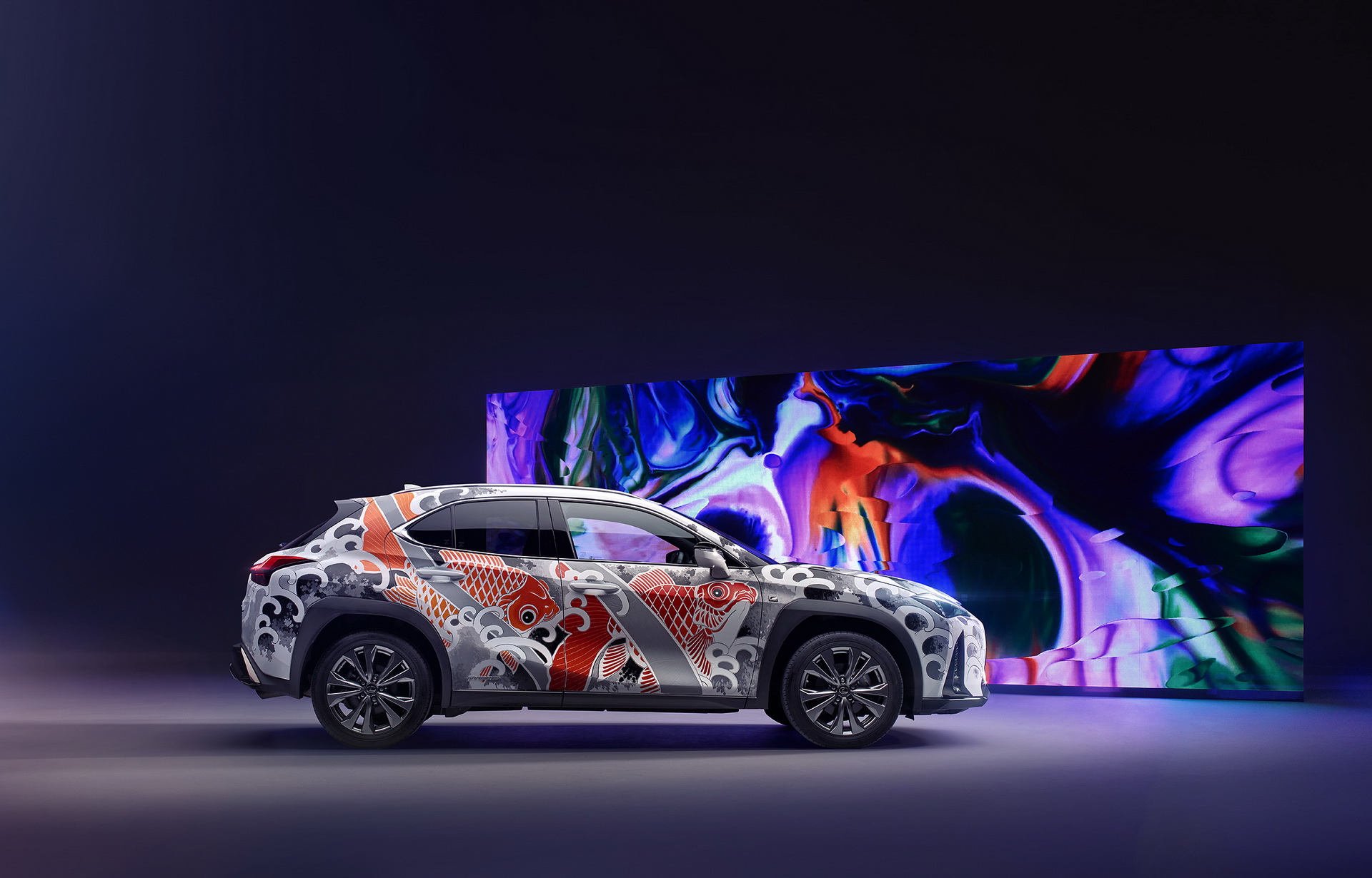 2020-lexus-ux-tatooted-car-2