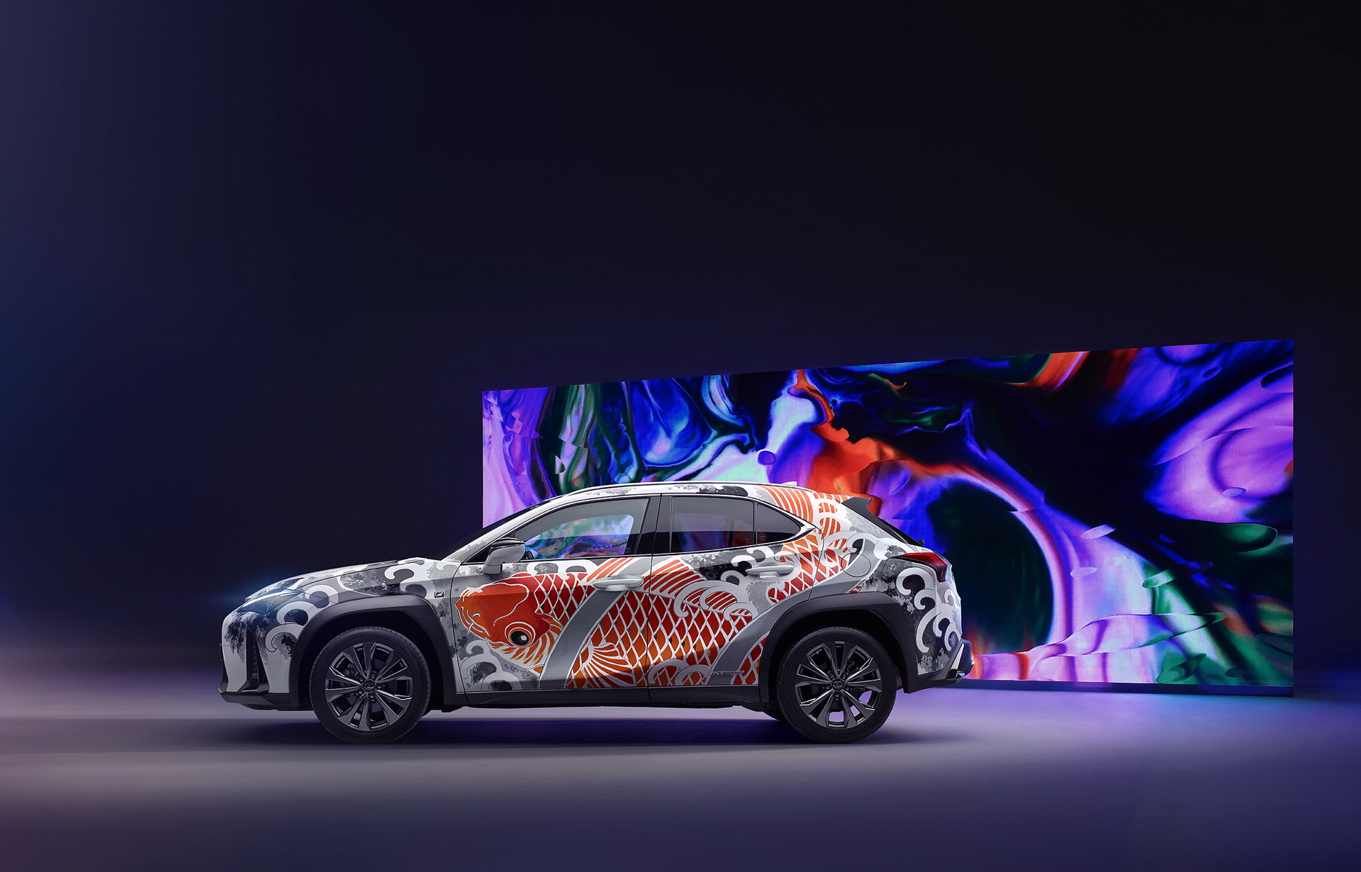 2020-lexus-ux-tatooted-car-3