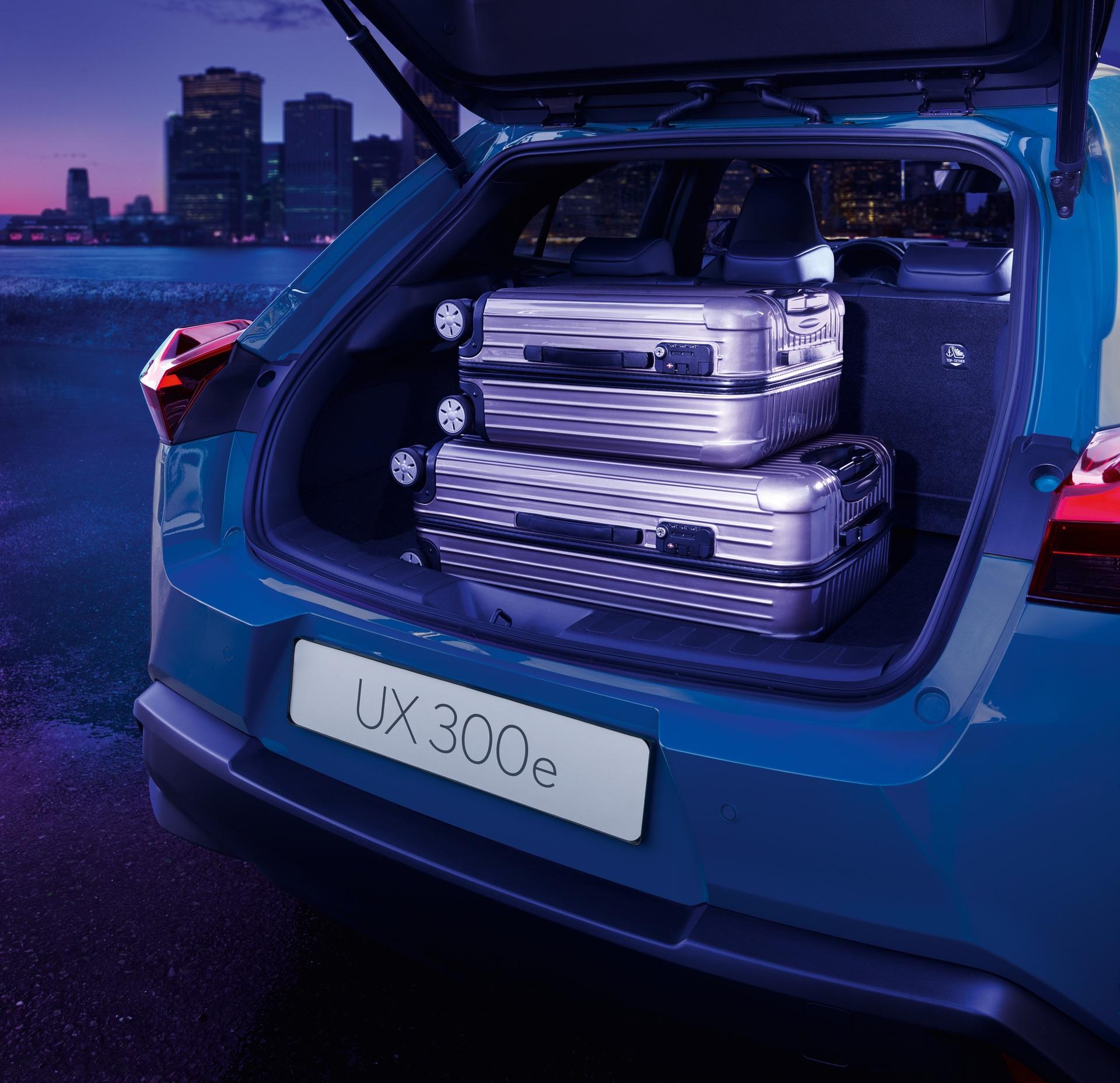 Lexus_UX_300e_0011