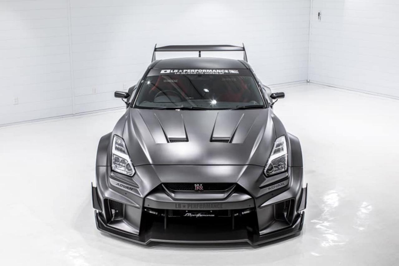 Liberty-Walk-Nissan-GT-R-LB-ER34-Super-Silhouette-Skyline-3