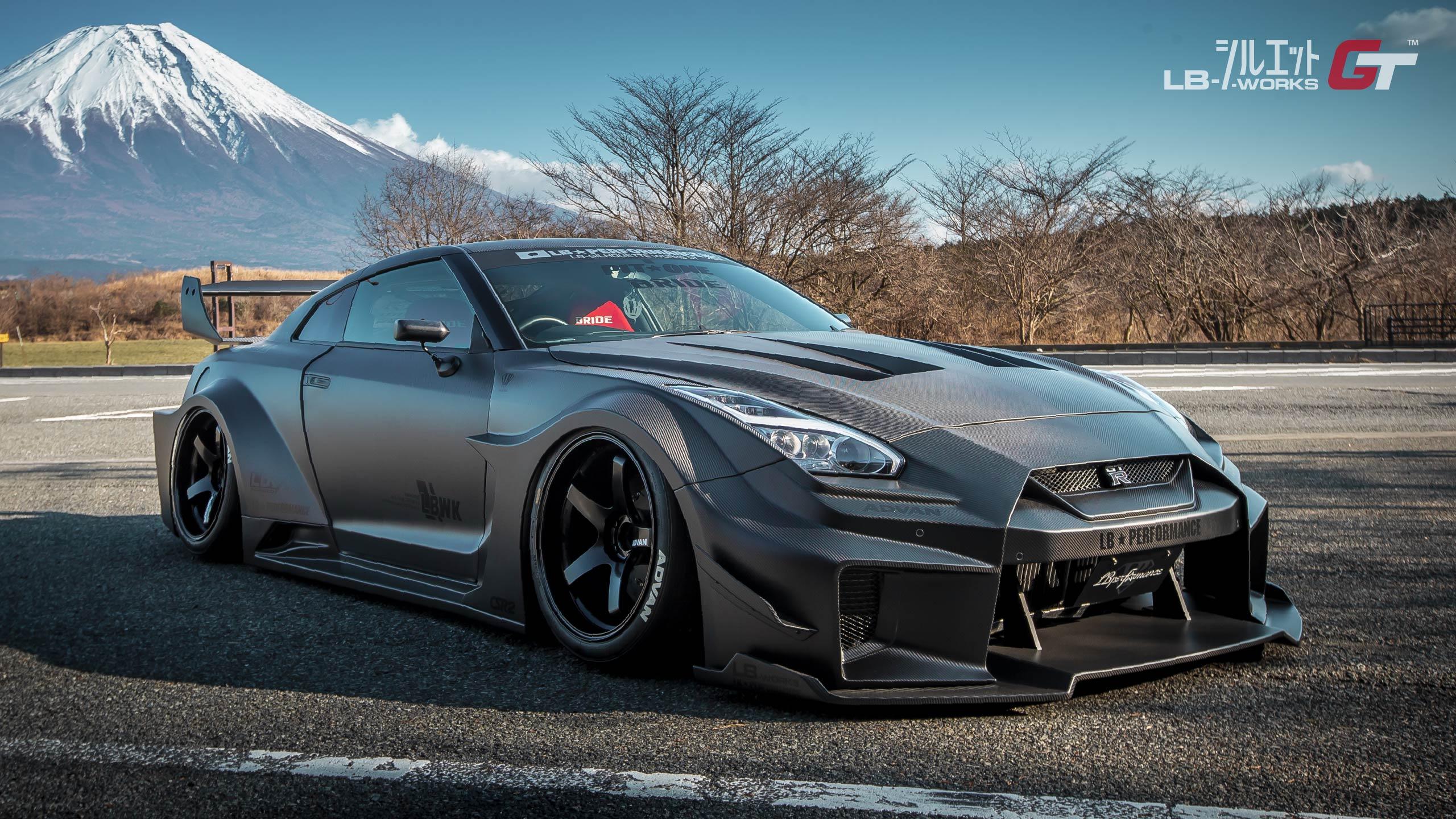 Liberty-Walk-Nissan-GT-R-Super-Silhouette-2