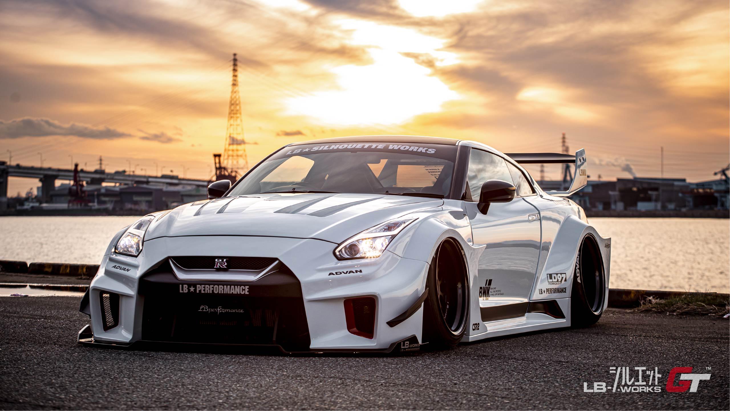 Liberty-Walk-Nissan-GT-R-Super-Silhouette-22