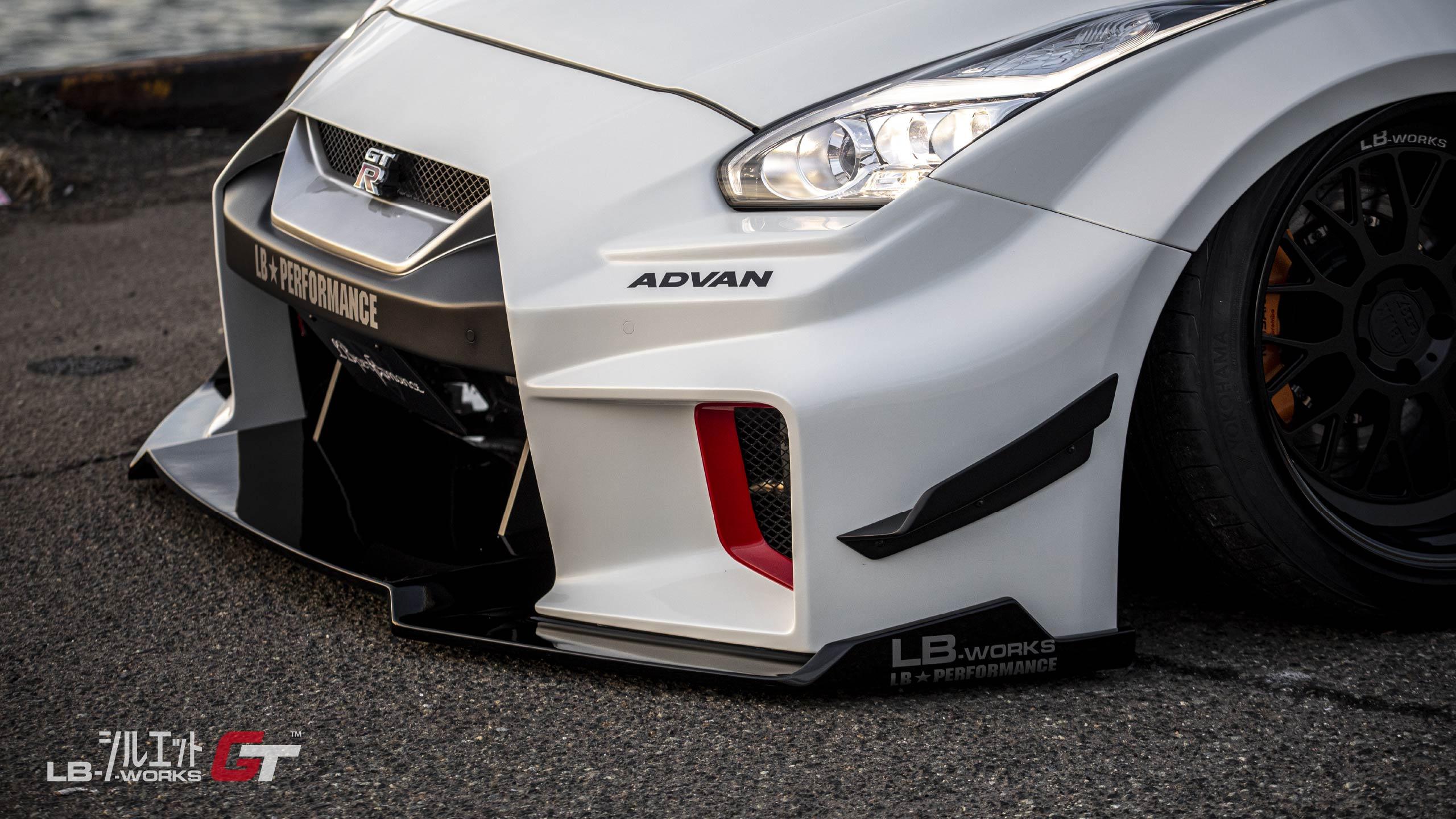 Liberty-Walk-Nissan-GT-R-Super-Silhouette-28