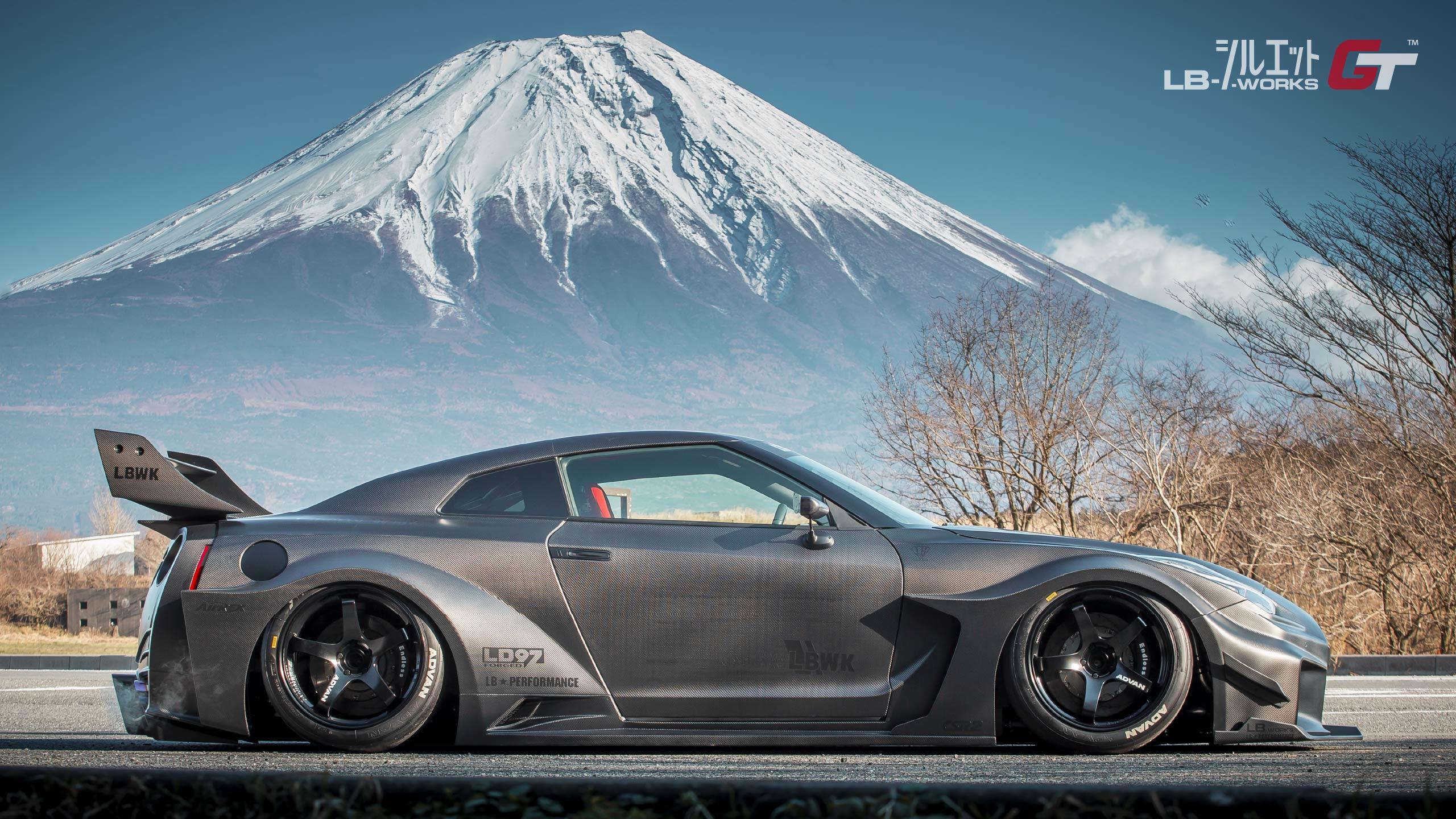 Liberty-Walk-Nissan-GT-R-Super-Silhouette-3
