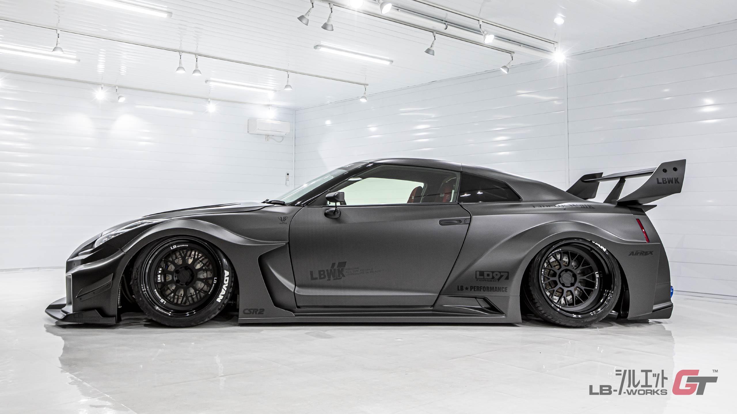 Liberty-Walk-Nissan-GT-R-Super-Silhouette-5