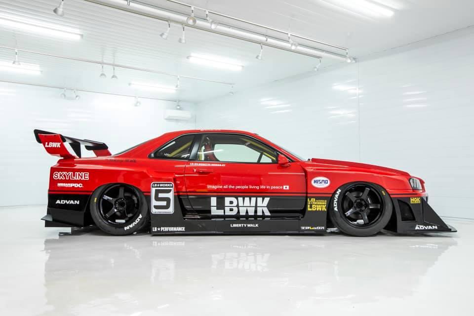 Liberty-Walk-Nissan-Skyline-GT-R-R34-6