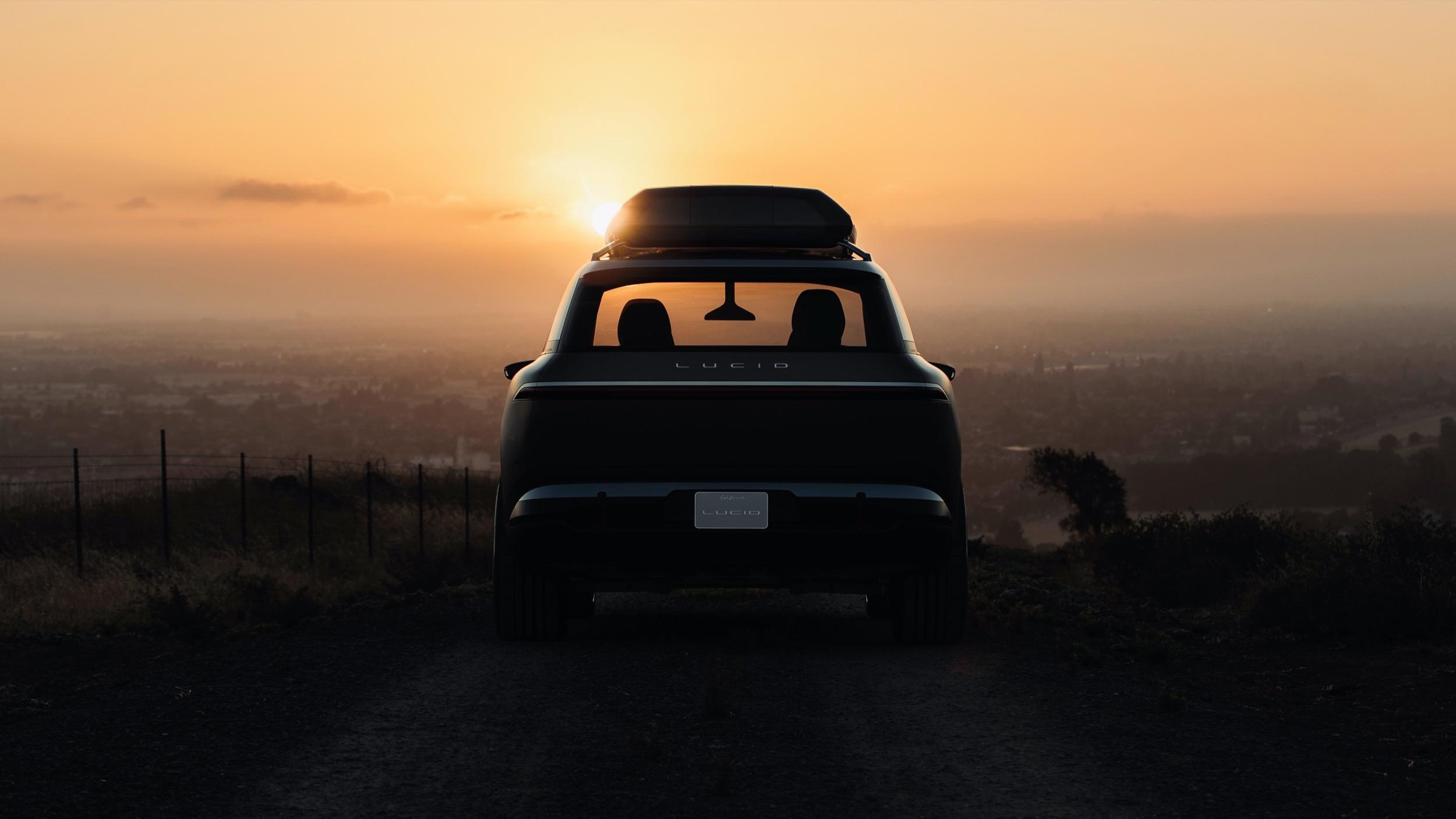 Lucid-SUV-05
