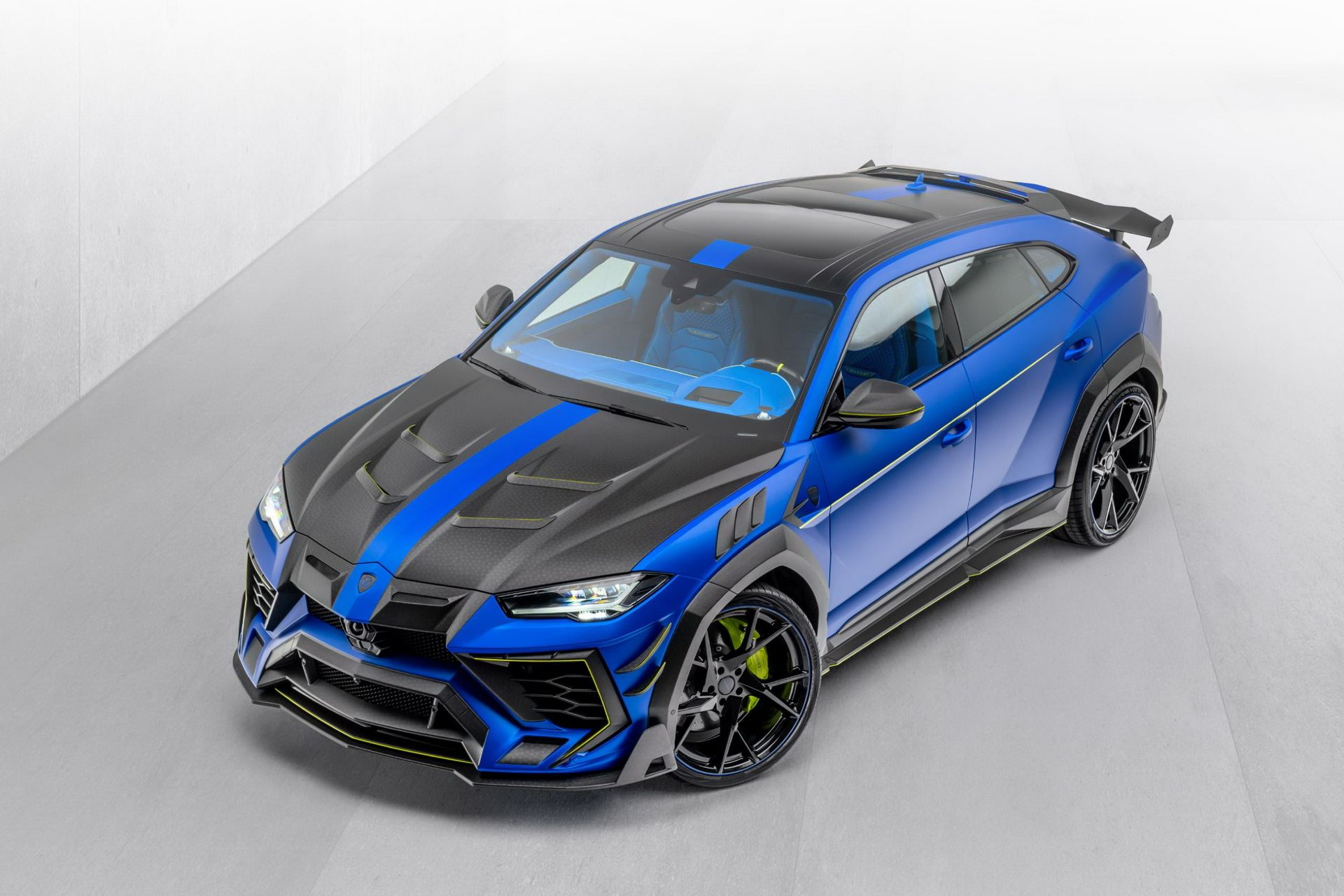 Lamborghini-Urus-Mansory-Venatus-6