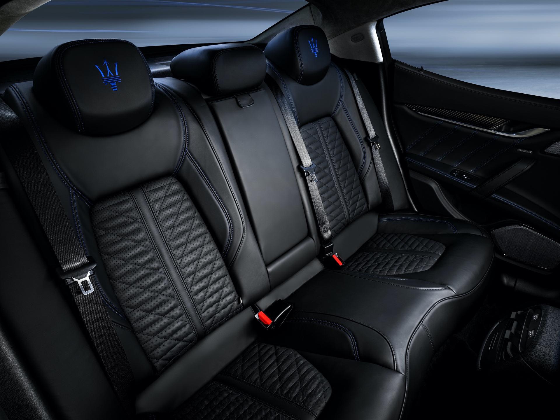 20_Maserati_Ghibli_Hybrid