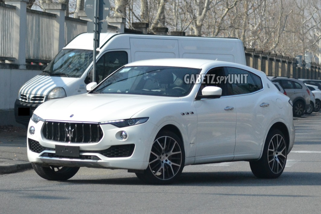 Maserati-Levante-2021-spy-10
