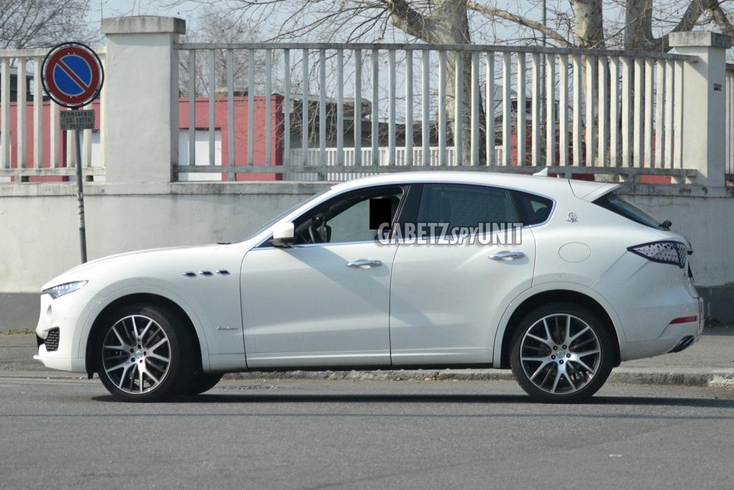 Maserati-Levante-2021-spy-11