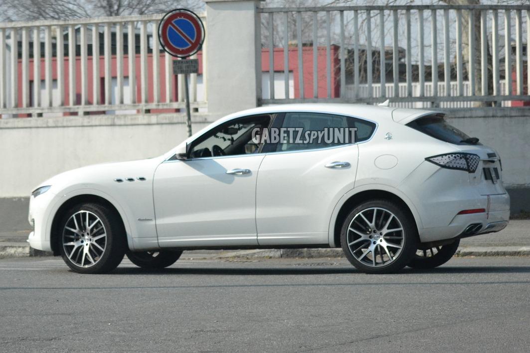 Maserati-Levante-2021-spy-12