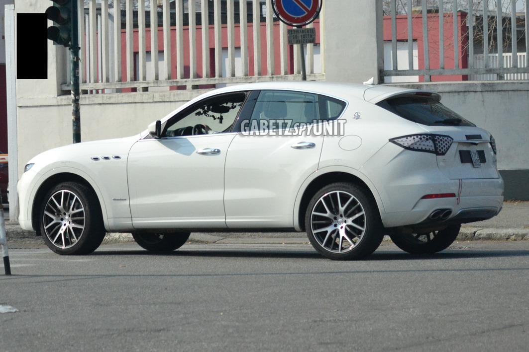 Maserati-Levante-2021-spy-13