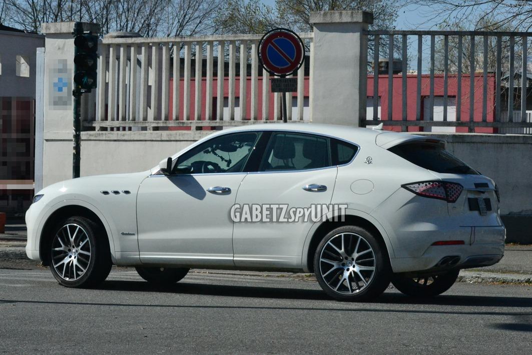 Maserati-Levante-2021-spy-14