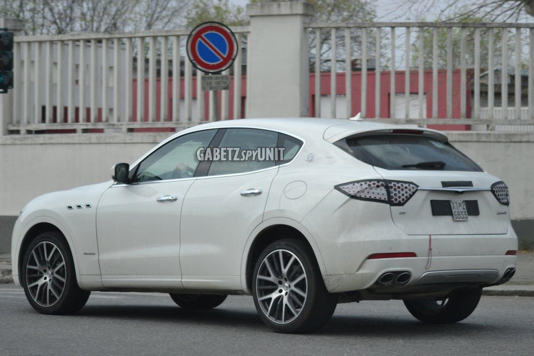 Maserati-Levante-2021-spy-2