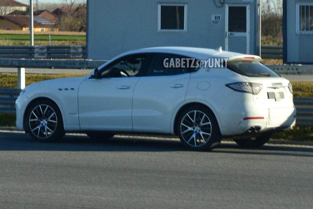 Maserati-Levante-2021-spy-7