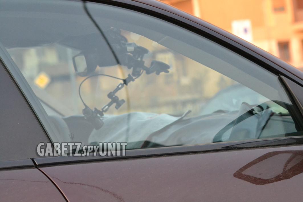 Maserati-Levante-2021-spy-9