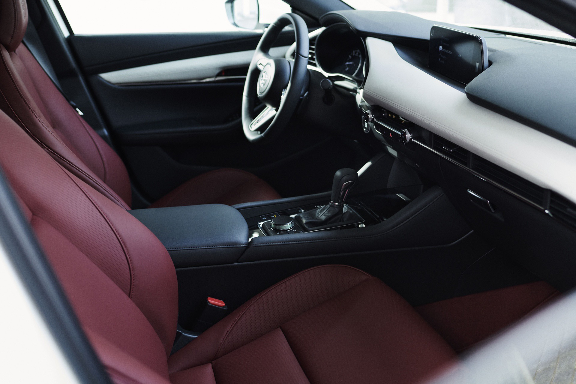 2020_100thSV_BRD15_EU_LHD_Mazda3_Interior
