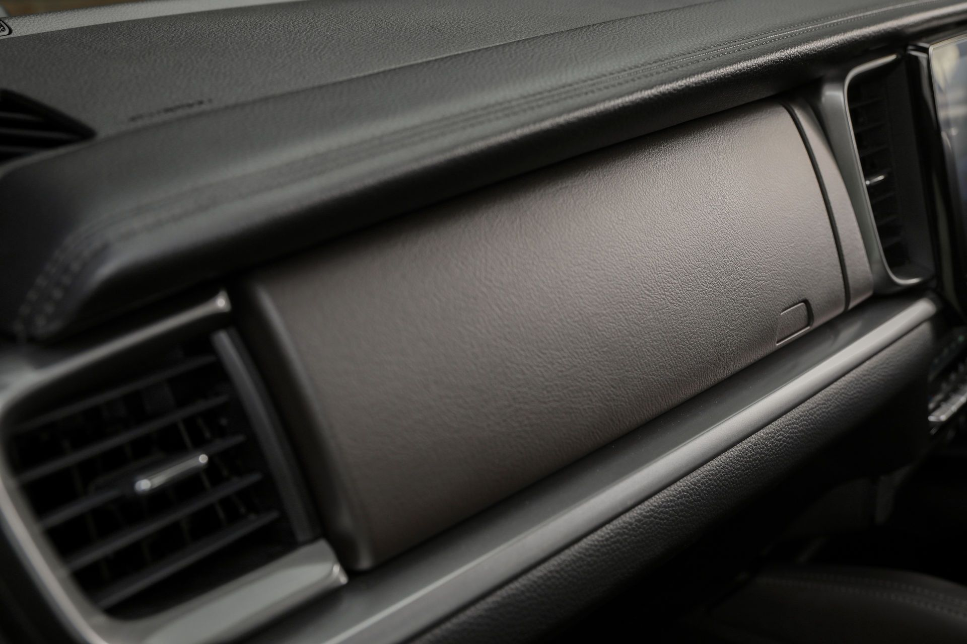 Mazda-BT-50-2020-11