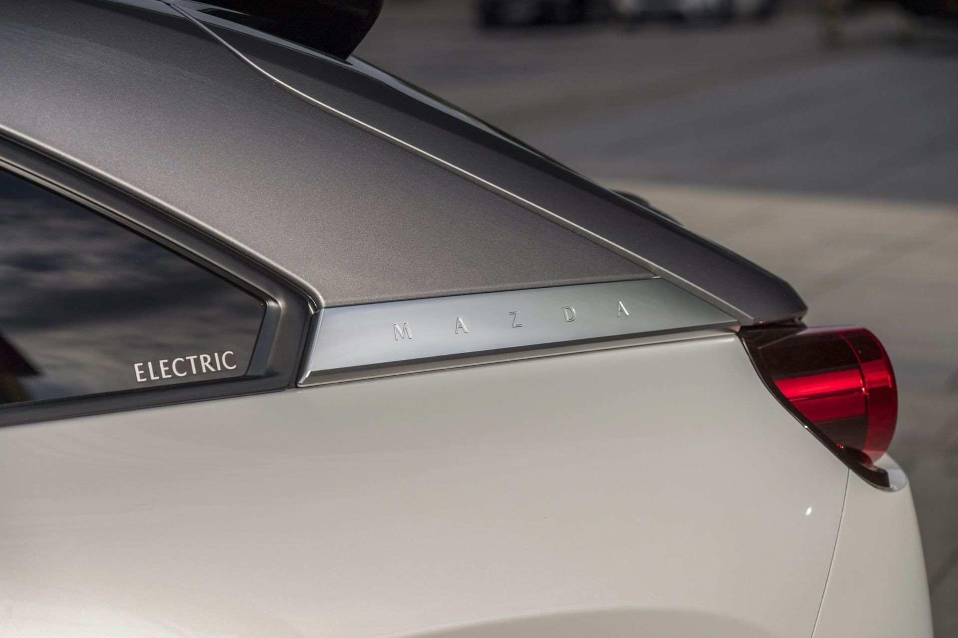 Mazda_MX-30_launch_0010