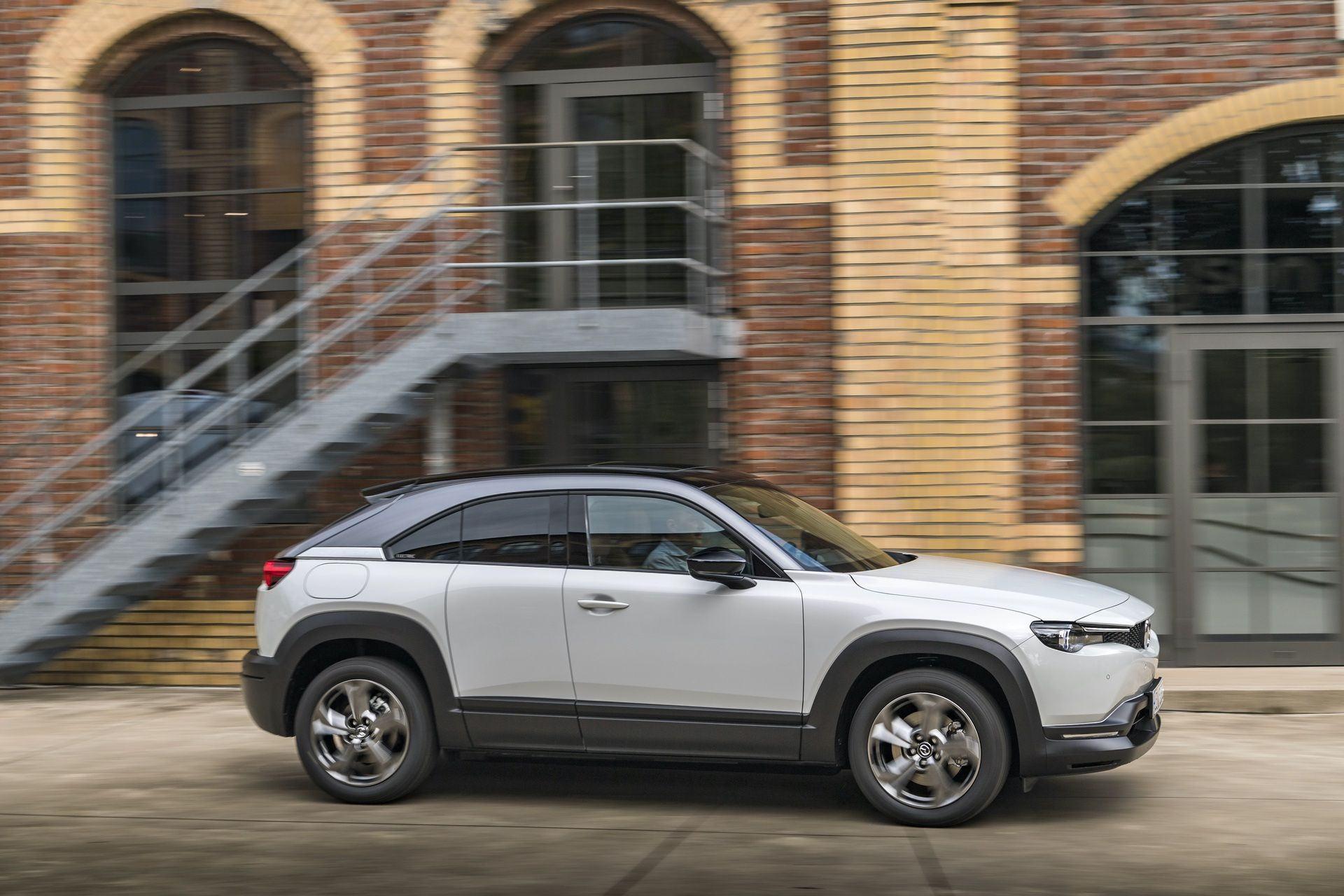 Mazda_MX-30_launch_0016