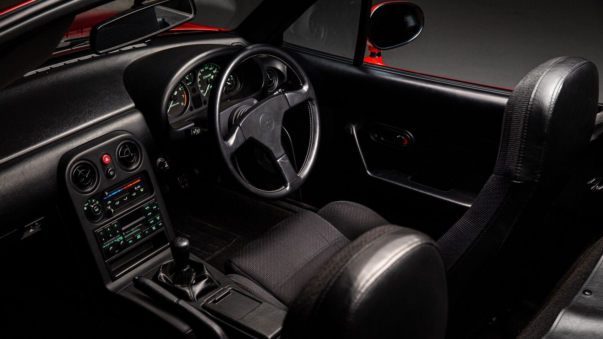 Mazda_MX-5_restoration_parts_0009