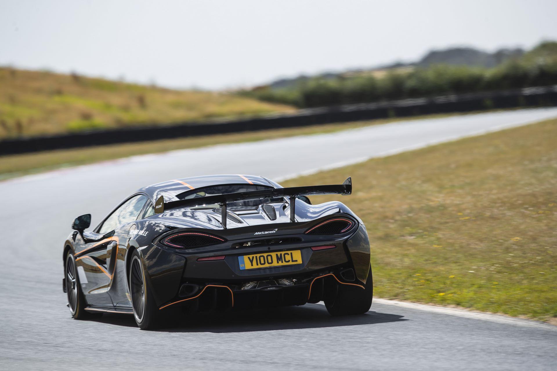 McLaren-620R-R-Pack-4