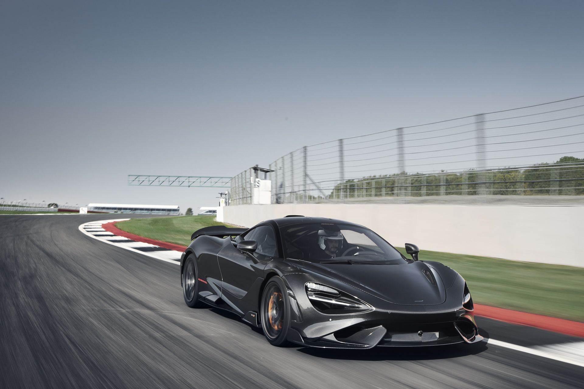McLaren_765LT_Silverstone_0000