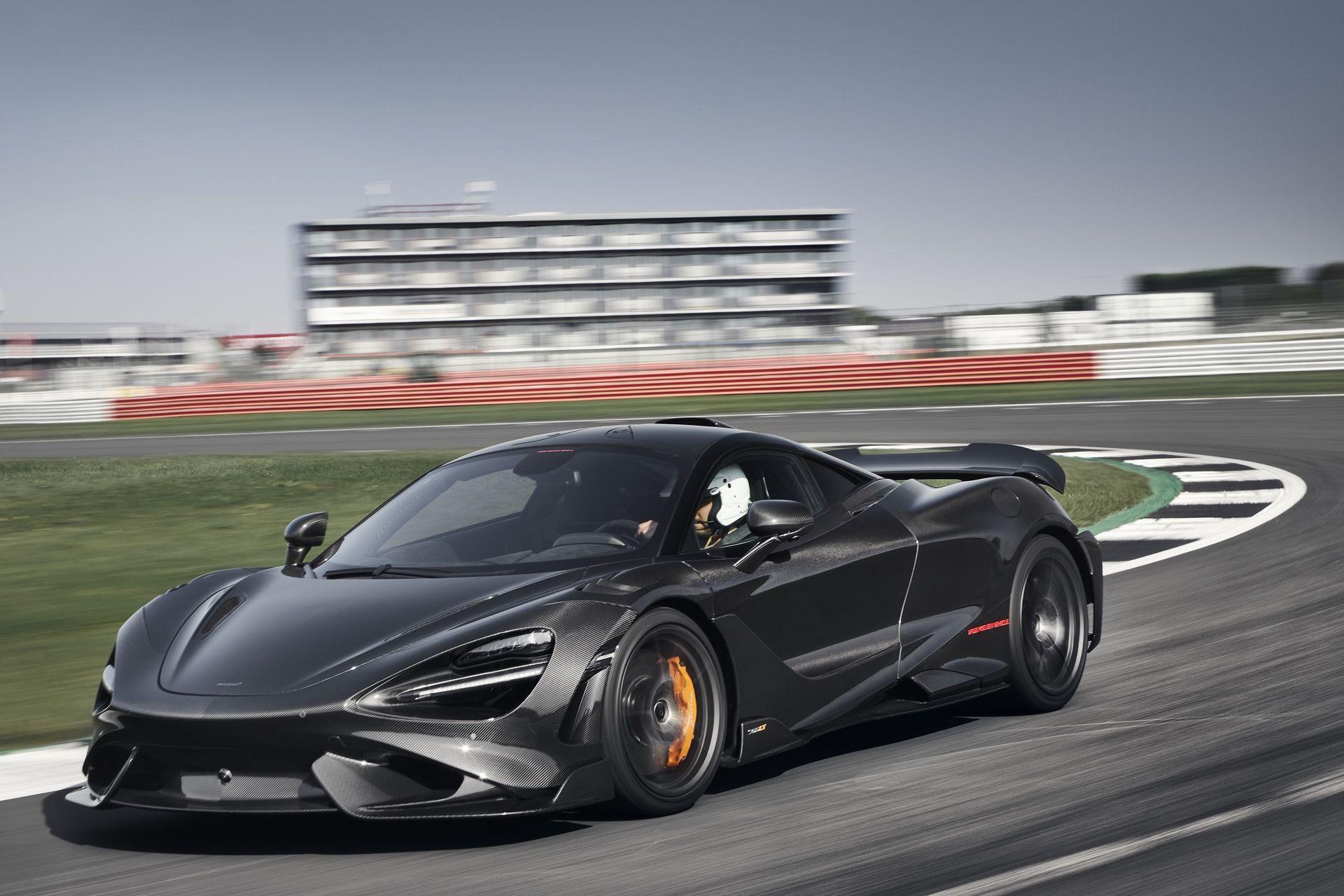 McLaren_765LT_Silverstone_0001
