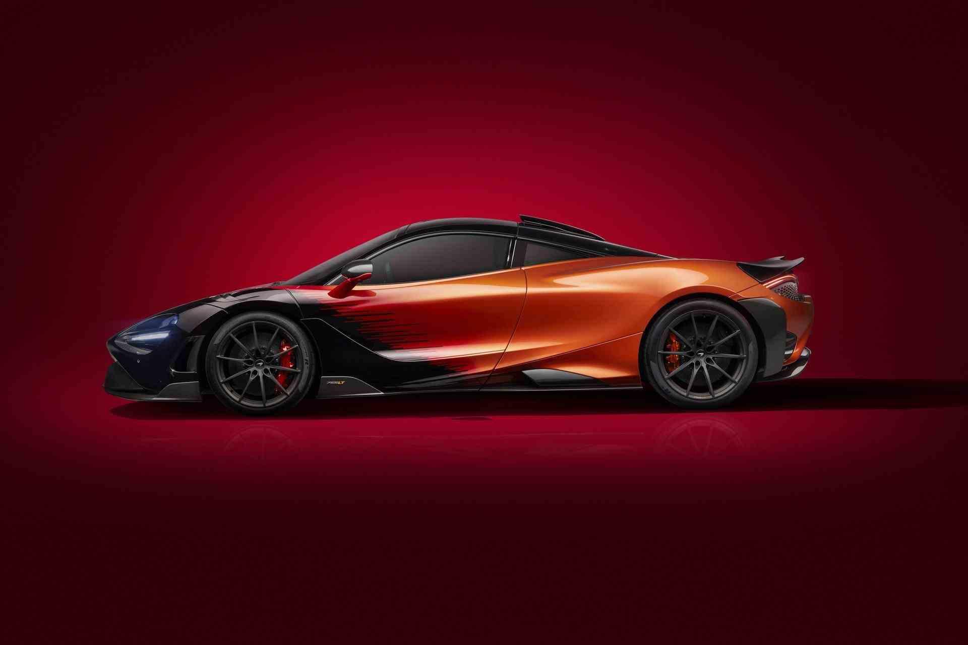 McLaren_765LT_Silverstone_0004