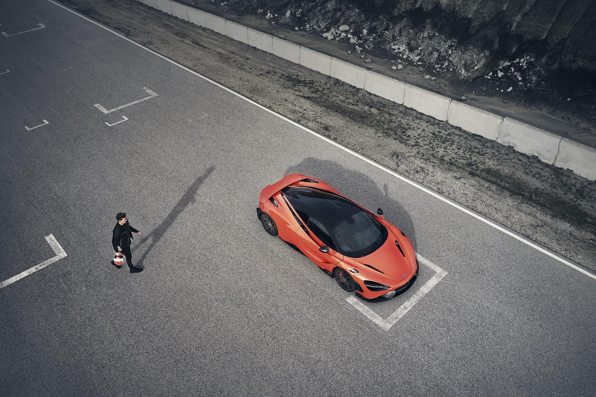 McLaren_765LT_0023