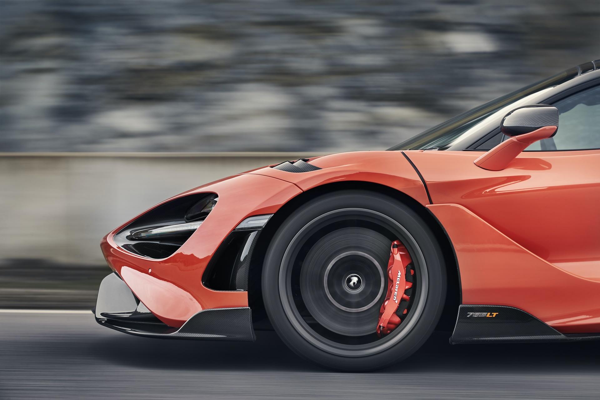 McLaren_765LT_0027